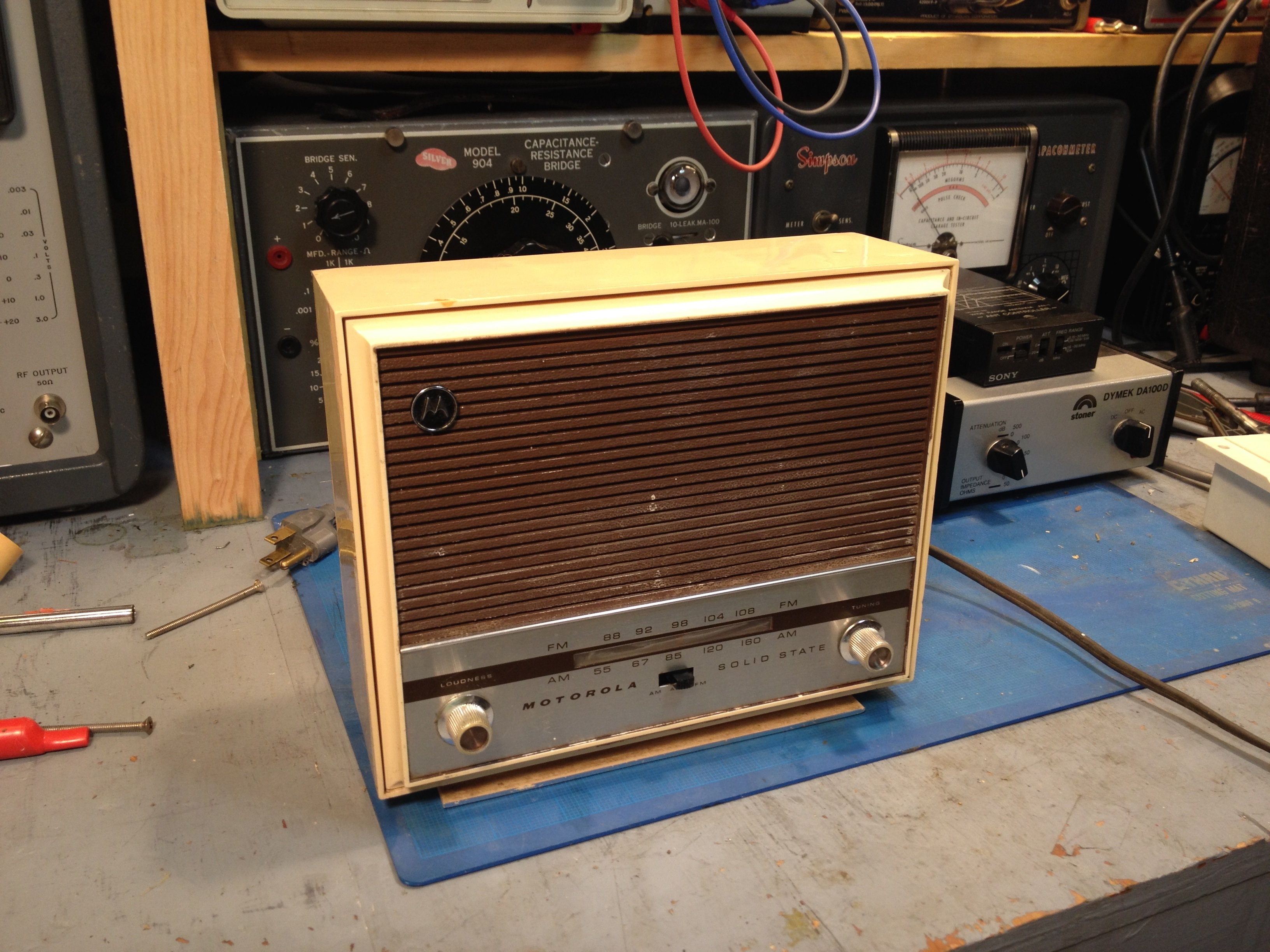 Unidentified Motorola Ac Dc Am Fm Transistor Radio Model Tt11eh One I Doubled The Size Of First Filter Capacitor Feeding Af Output And There Was No Perceptible Reduction In Hum